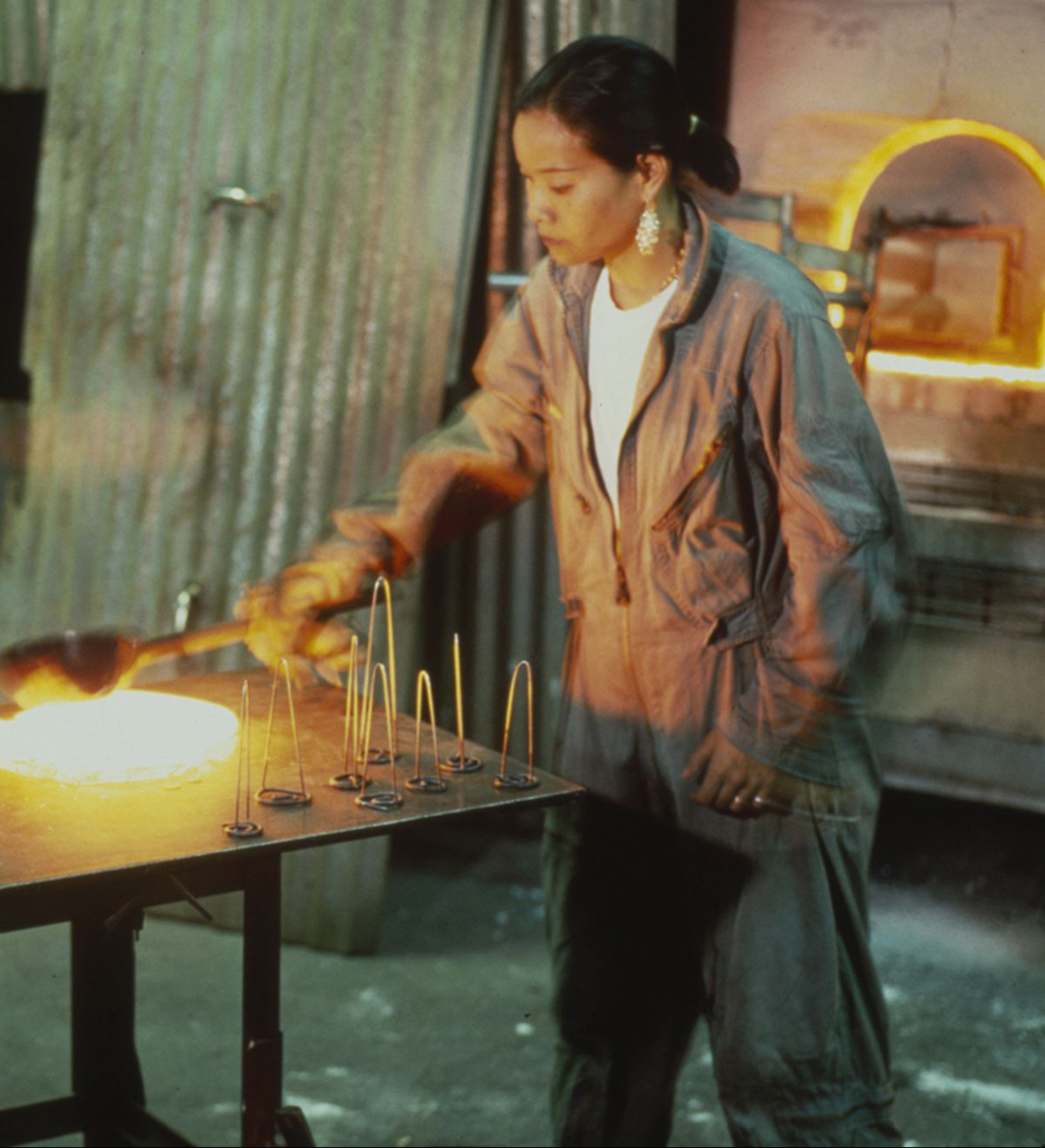 IZABEL LAM MAKING GLASS
