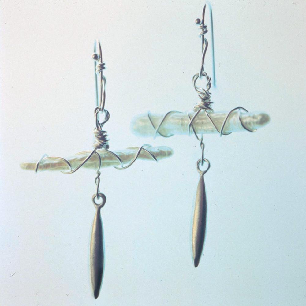 Izabel Lam Handmade Anchor Pearl Earring 2